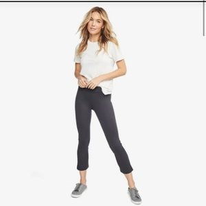 AMERICAN GIANT GRAY KICK FLARE CAPRI PULL ON CROPPED PANTS SIZE 10